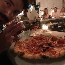 holtelliott on One Bite Pizza App