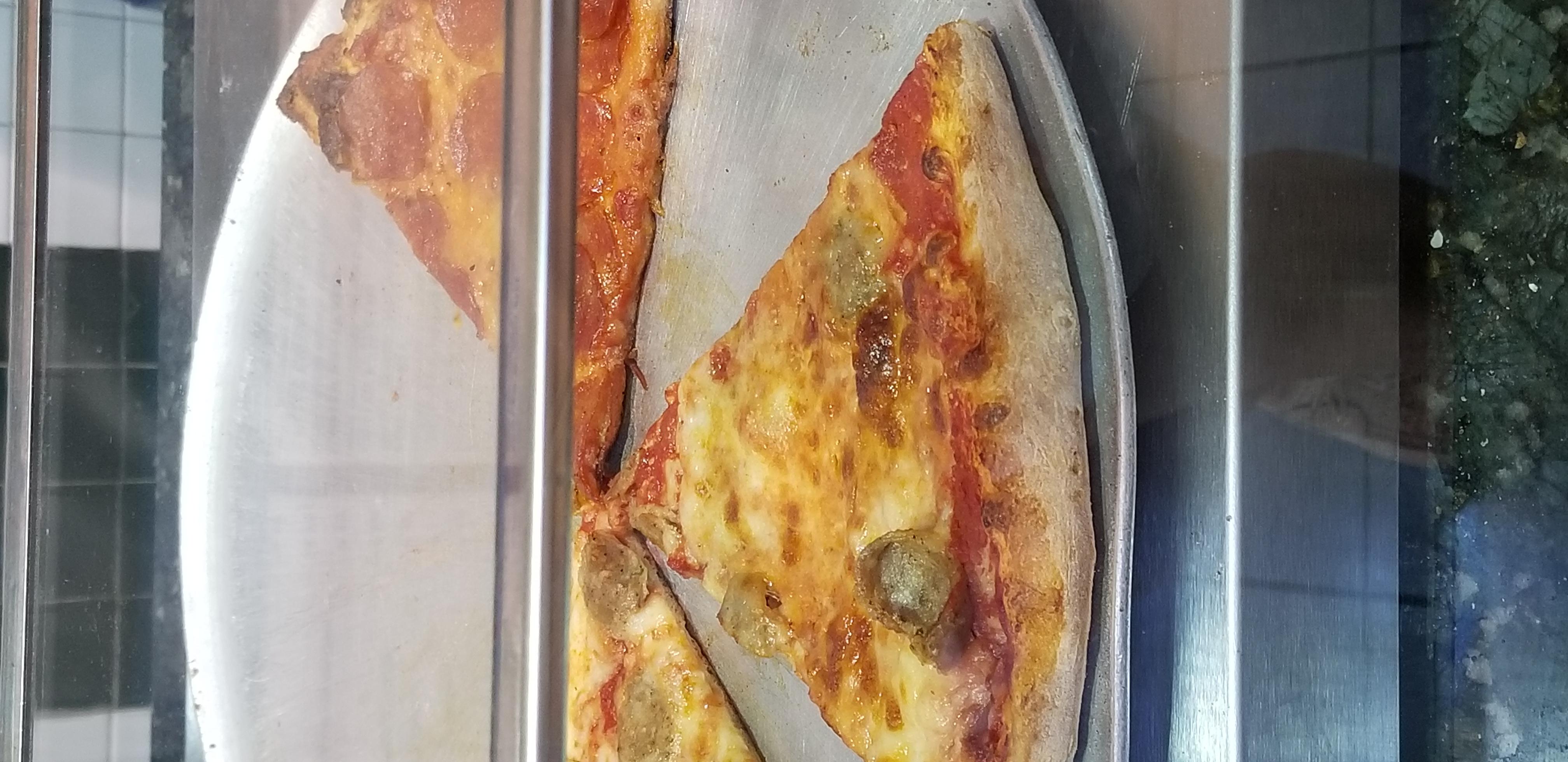 laura.lebeau on One Bite Pizza App