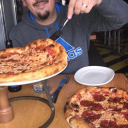 bobby.lyle on One Bite Pizza App