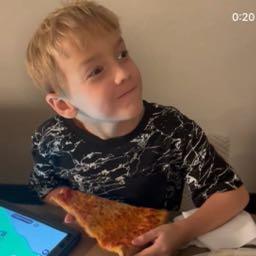 dan.dagnall on One Bite Pizza App